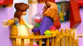 Juguetes de Lego de La Bella y la Bestia - Bella entra sin permiso al ala oeste otra vez