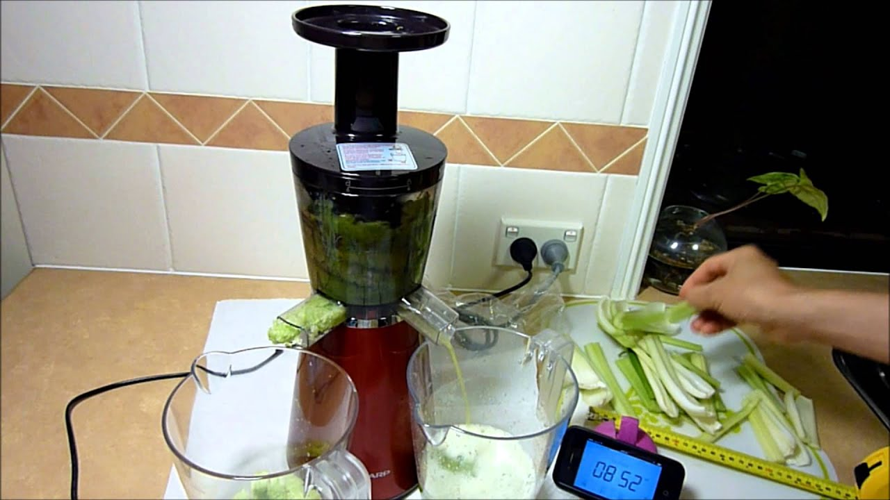 Slow Juicer Celery : Sharp Slow Juicer EJCP10BJR With Short Celery Sticks - YouTube