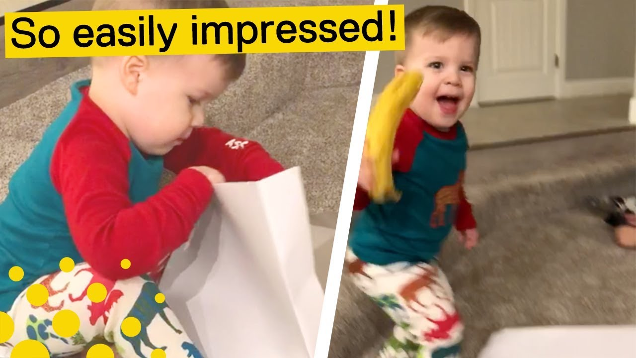 KID RECEIVES BANANA FOR CHRISTMAS (AND LOVES IT) - YouTube