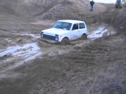 niva in mud  off road