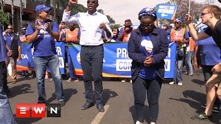 Party leader Mmusi Maimane led supporters through the streets of Tshwane as they called for the president to be removed from office and for unity in protecting the rule of law.  Click here to subscribe to Eyewitness news: http://bit.ly/EWNSubscribe  Like and follow us on: http://bit.ly/EWNFacebook AND https://twitter.com/ewnupdates   Keep up to date with all your local and international news: https://ewn.co.za    Produced by: Kgothatso Mogale