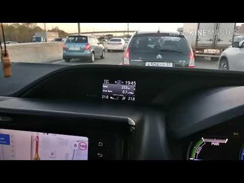 """Реальный расход в """"пробке"""" Toyota Voxy hybrid 2014"""