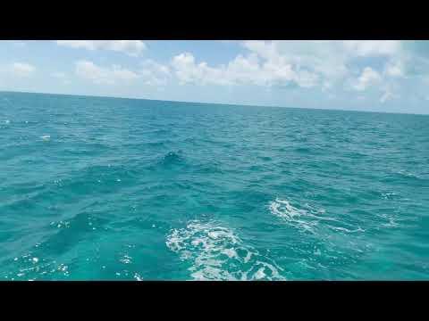 Sailing across the Grand Bahama Bank