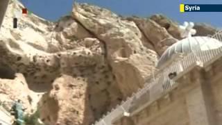 Syria President Bashar al-Assad visits recaptured Christian town Maaloula to mark Easter holiday