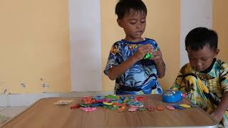No Gadget ! Hide, Hiro Membeli Mainan Murah Meriah dan Gimbot