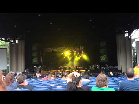 Heaven Knows - The Pretty Reckless (Live @ Walnut Creek Amphitheater in Raleigh, NC - Sept 7, '14)