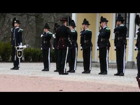 Royal Palace, Oslo - Changing of the Guard