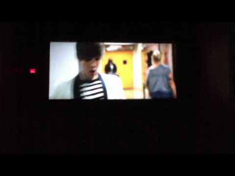 Never Say Never 3D Trailer/French Version