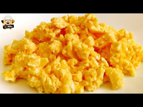 how-to-make-scrambled-eggs-in-a-microwave