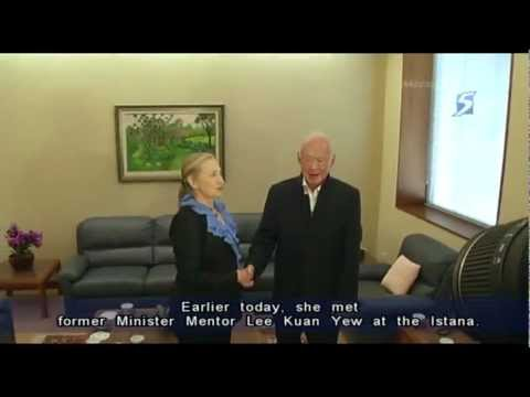 US Secretary of State Clinton meets Lee Kuan Yew in Singapore- 16Nov2012
