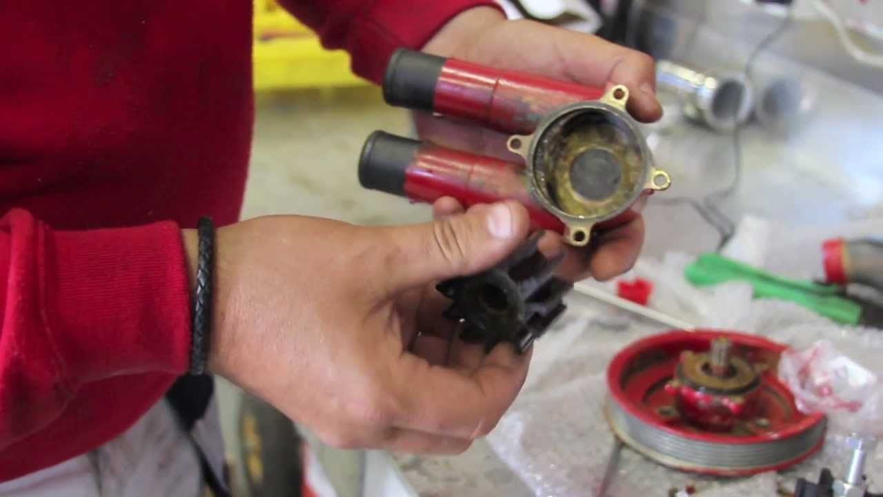 Hvordan bytte impeller p en volvo penta btmotor youtube freerunsca Choice Image