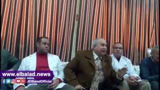 غضب في مستشفى سوهاج العام بعد إقالة مديرها.. فيديو