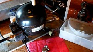 ремонт холодильника, прочистка капиллярной трубки(удаление продуктов засора из капиллярной трубки после прочистки., 2013-08-19T06:29:15.000Z)