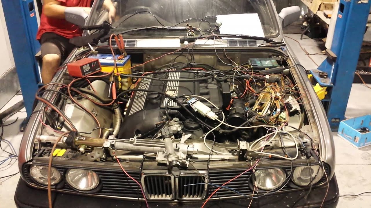E30 with M54B30 Engine Conversion  EWS wire up and full
