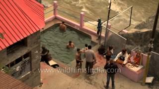Tapt kund - Himalayan hot water sulphur spring at Badrinath