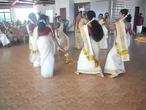 Parvenendu mukhi,Thiruvathira dance by Rotary club of cannanore