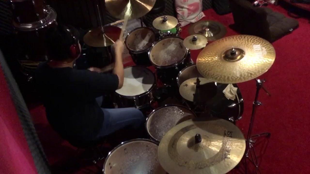 lan-jingeiru-eir-aoi-akusentia-accentier-drum-cover-red-studio