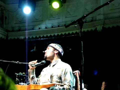 Ben Harper & The Innocent Criminals - Gold To Me - Live at the Paradiso in Amsterdam (7-7-08).MPG