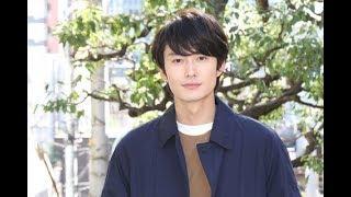 岡田将生>女優陣から「気持ち悪い」といわれても「伊藤くんは純粋な人...