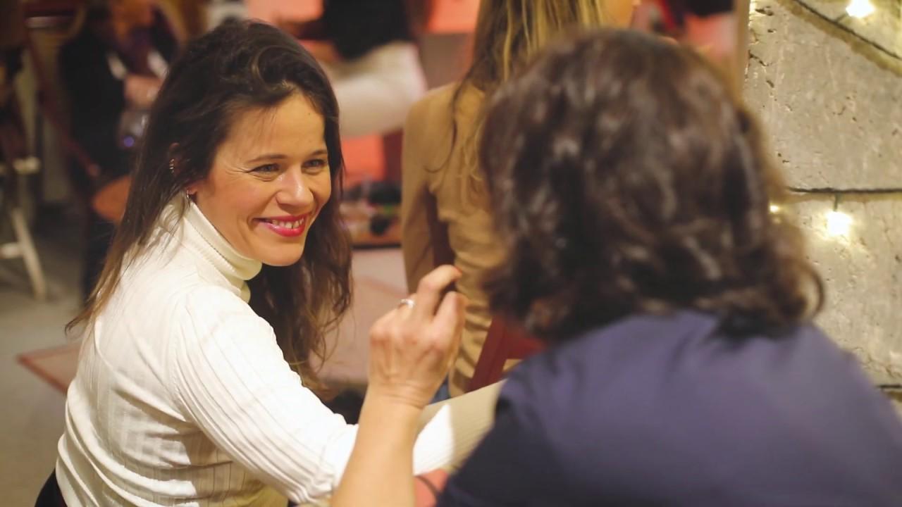 Comunicación en las redes sociales con María de León
