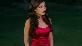 Repeat youtube video Riya Sen is forced to compromise | Zindagi 50 50