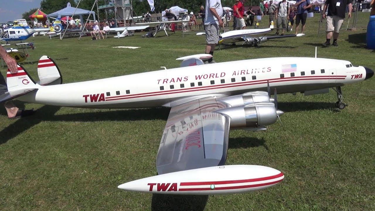 RC SCALE AIRPLANE TWA SUPER CONSTELLATION AMAZING LOW PASS