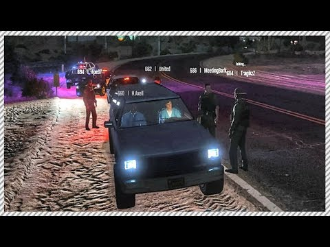 GTA 5 LSPDFR Multiplayer Mod - Catching & Arresting Criminals, Angry Police Officers, Funny Moments