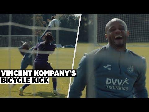 Vincent Kompany bicycle kick during training thumbnail