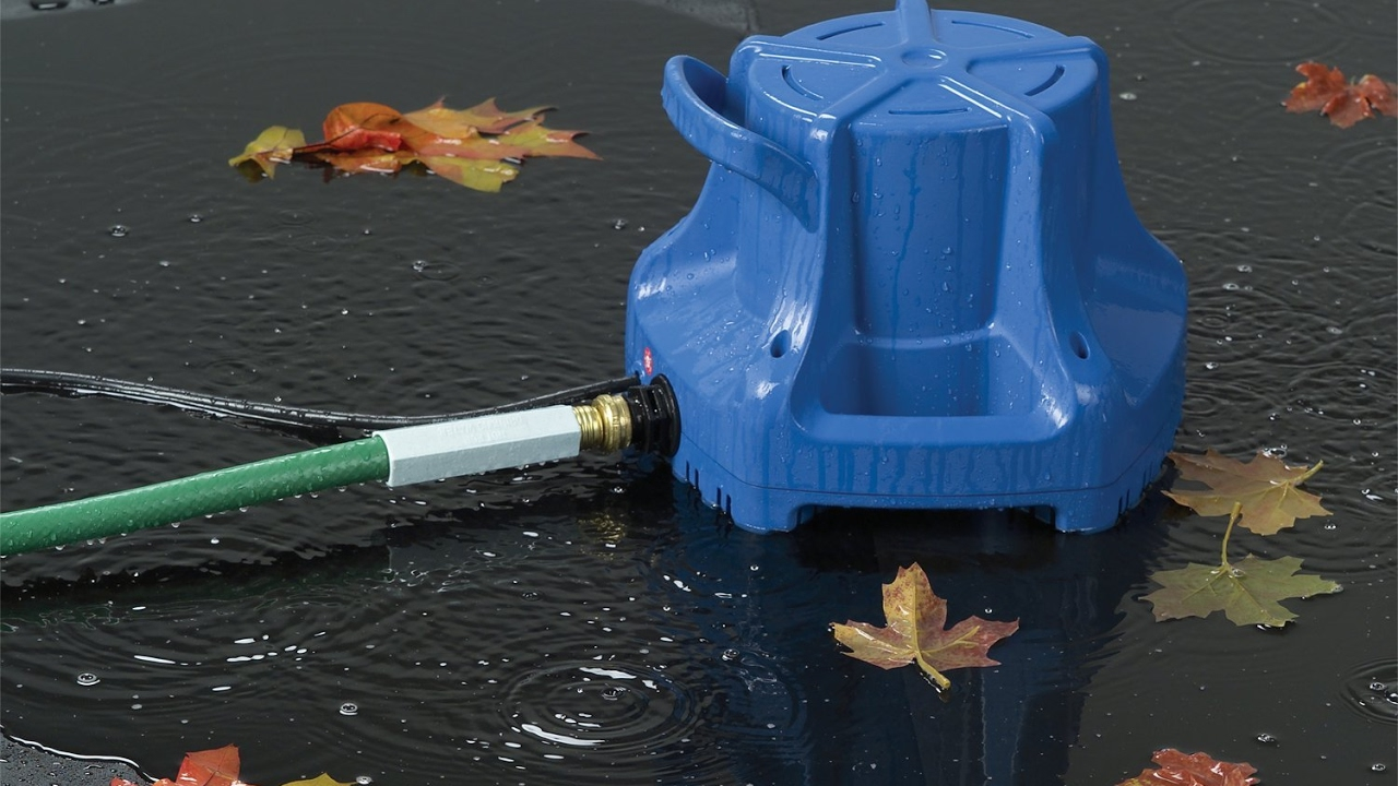 Review Little Giant Apcp 1700 13 Hp Automatic Pool Cover Submersible Pump Youtube