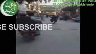 Latest Sheikh Rasheed Ahmed Entry on committe chowk in style and abusing nawaz shareef