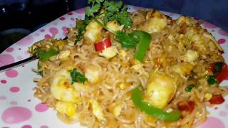 Quick and easily Made Maggie Noodles with prawns and eggs