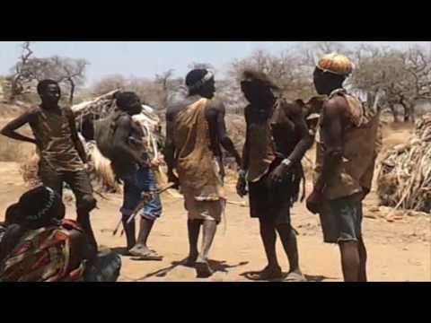 ITAKA SAFARIS: Hadzabe de Tanzania