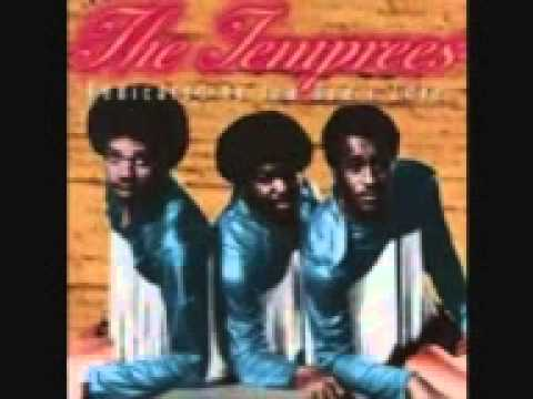 OUT OF MY REACH ♡ THE TEMPREES