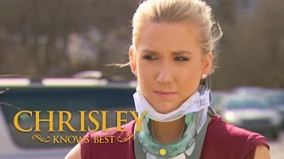 Season 5, Episode 4: 'Savannah's Car Wreck' | Chrisley Knows Best