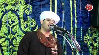 شاهد الجمهور يطالب الشيخ محمود ياسين التهامي بإنشاد قمرُ فى مولد الإمام الحسين 2018