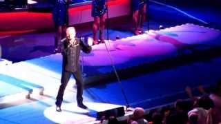 Sweet Caroline - Neil Diamond Live - 6-10-12