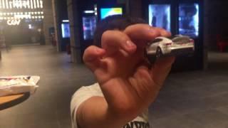Yusuf ve tesla model s oyuncağımız;)