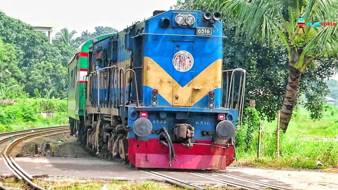 Sirajganj  Express passing Staff Road Rail crossing    Rajshahi ~ Dhaka Train