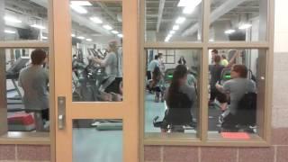 Урок физкультуры в школе США