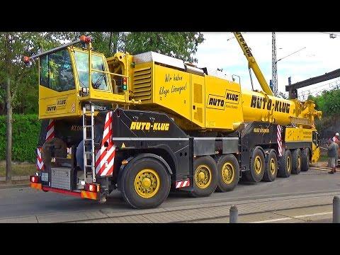 Gigantischer Klug-Autokran mit acht Achsen im Einsatz - Erfurt 2016