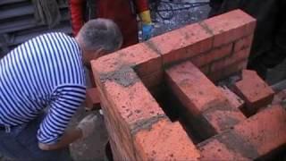 Горизонтаьный дымоход начало(строительство печи, начало кладки горизонтального дымохода., 2009-09-21T12:14:10.000Z)