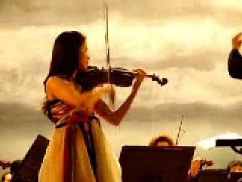 Esther Lee plays Violin Concerto by P I Tchaikovsky