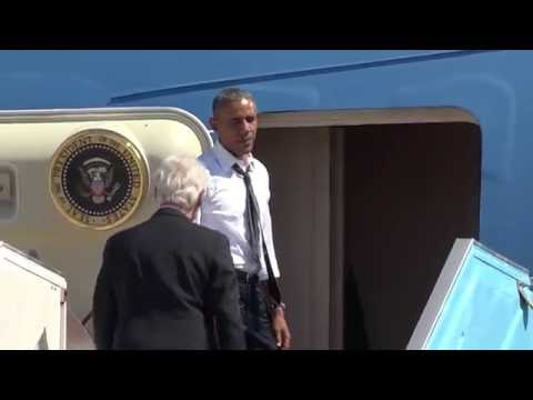 """""""Bill Let's go"""" Obama Yells at Bill Clinton to Board on Air Force One"""