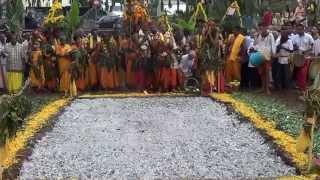 Marche sur le feu Temple Samayapuram Mariammen Piton Siant-Leu 2015