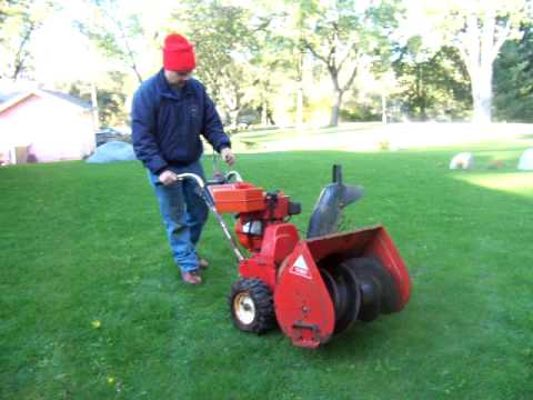 Snow Blower Reviews >> Toro 724 Snow blower - YouTube