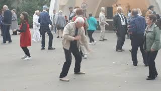 Я бегу  за тобой !!!Народные танцы,парк Горького,Харьков!!!12.10.2020.