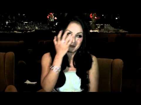 Sisca Dewi Akui Foto Mesranya Dengan Roy Marteen?