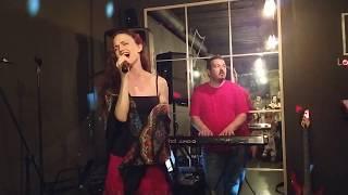 """✔️ Chica rusa cantó """"Me Voy"""". Ella pasmó a la audiencia con su voz ⭐"""