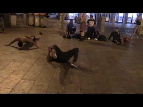 Break-dancers warming up at Puerta del Sol, Madrid - #busking