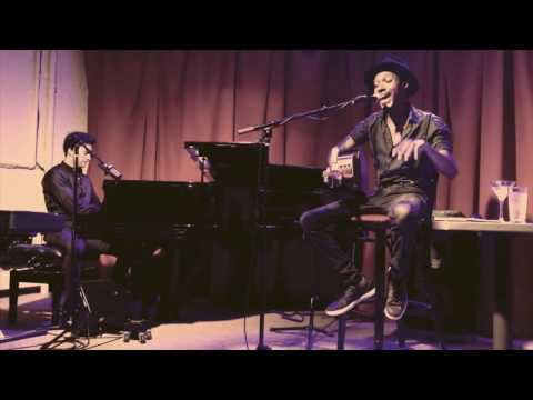 "Frank Bell - ""The Penguin"" (ft. Devin Bing) live at Club Bonafide"